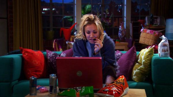 Penny też wpadła w nałóg - u niej to były gry elektroniczne. W Big Bang Theory strasznie ten motyw został przerysowany, ale w nałogi wpadamy w dość podobny sposób - przez przypadek, mimochodem.