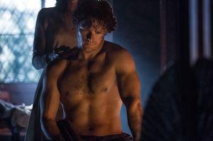 Jamie Fraser, naczelny serialowy Szkot w obowiązkowym ujęciu bez koszulki.