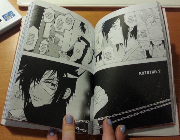 Początek rozdziału drugiego. Projekty Ritsuki przypominają bohaterów doroślejszych, bardziej dojrzałych niż domniemanych rówieśników z klasy.