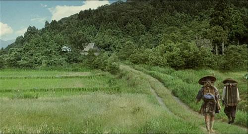 Piękne krajobrazy w Mushishi. I droga, Ginko (główny bohater) wciąż pozostaje w drodze, od dziecka.